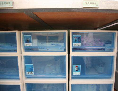 医院垃圾桶摆放位置图片