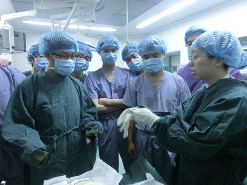 手术室副护士长朱玲珠从手术室布局